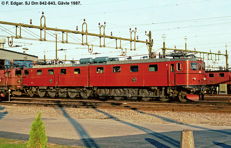 SJ Dm 842