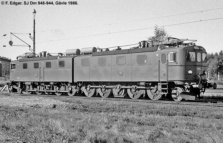 SJ Dm 945